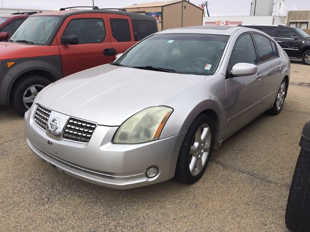 2004 Nissan Maxima SE 5-Speed Automatic